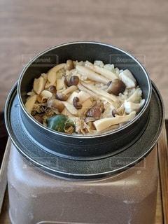 晴れた日にスープのボウルの写真・画像素材[3429548]