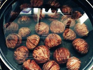 グリルの上に食べ物のパンの写真・画像素材[1118189]