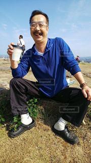 天守閣跡地で天空カフェのコーヒータイムの写真・画像素材[2504004]