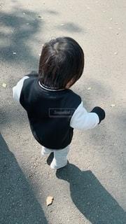息子と散歩の写真・画像素材[2785944]
