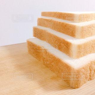 好みの厚さの食パンの写真・画像素材[2797147]
