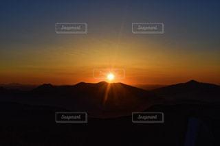 背景の夕日の写真・画像素材[1565664]