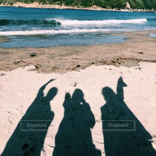 ビーチの人々 のグループの写真・画像素材[1565670]