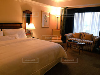 スイートルーム 寝室の写真・画像素材[1158111]