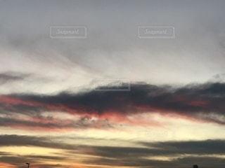 近くに空には雲の上の写真・画像素材[841333]