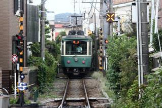 電車は通りを下って来るの写真・画像素材[1426206]