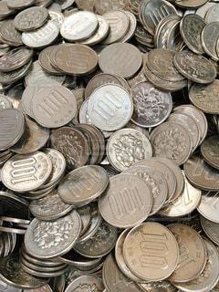 100円硬貨の写真・画像素材[3285458]