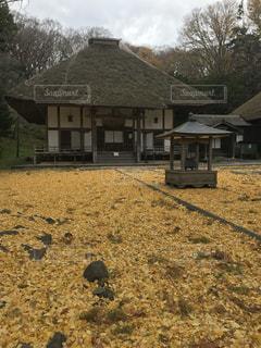干し草の山の家の写真・画像素材[888070]