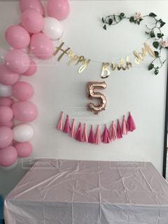 娘の5歳の誕生日の飾り付けの写真・画像素材[1227368]