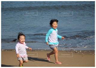 家族で海への写真・画像素材[1780163]