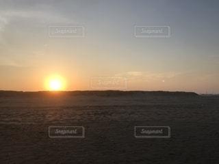 沈む夕日の写真・画像素材[1364458]