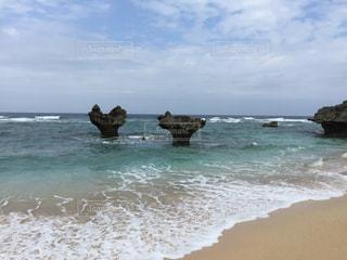 沖縄ハート岩の写真・画像素材[1028142]