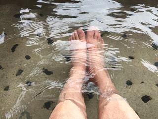 自撮り 足湯 脚 温泉 癒し暖かの写真・画像素材[359195]