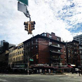 街の通りに信号機の写真・画像素材[793450]