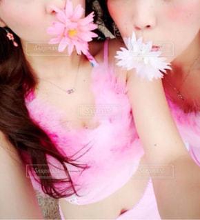 取って、selfie ピンクの髪の女の写真・画像素材[859505]