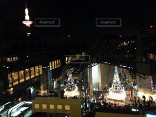 夜の街の景色の写真・画像素材[876009]