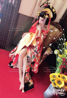 赤いドレスの人の写真・画像素材[1144284]