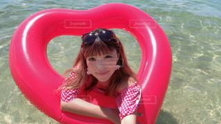 水のプールの女の子の写真・画像素材[1416175]