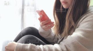selfie を取る女性の写真・画像素材[1753843]