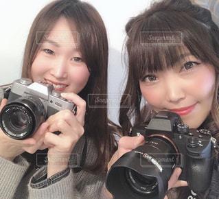 カメラにポーズ人の写真・画像素材[1810320]