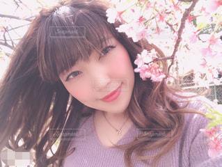 取って、selfie ピンクの髪の女の写真・画像素材[1866585]