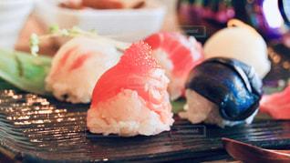 皿の上の食べ物のクローズアップの写真・画像素材[2978166]