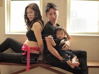 カメラのポーズをとるキム・ソルヒョン、田城幸也の写真・画像素材[3664762]