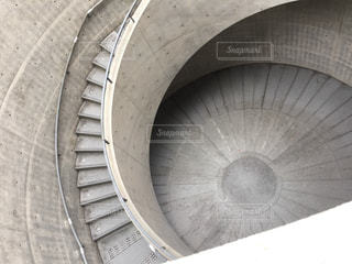 螺旋階段の写真・画像素材[870590]