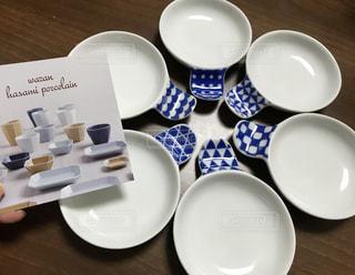 テーブルの上のコーヒー カップの写真・画像素材[1803865]