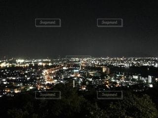 夜の都市の眺めの写真・画像素材[2173885]