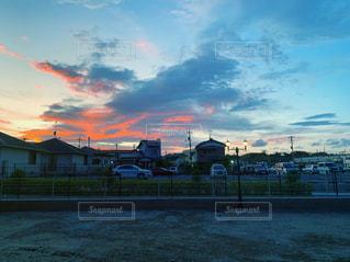 夕焼け雲の写真・画像素材[2497003]