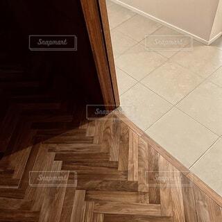 ヘリンボーンの床の写真・画像素材[4217667]