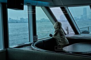 船に乗る人の写真・画像素材[4599524]