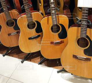 アコースティックギターの写真・画像素材[943631]