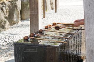 寺院の手水舎の写真・画像素材[1220478]