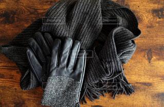 紳士用のマフラーと手袋の写真・画像素材[4093059]
