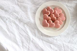 ピンク色のハートのクッキー。の写真・画像素材[1750793]
