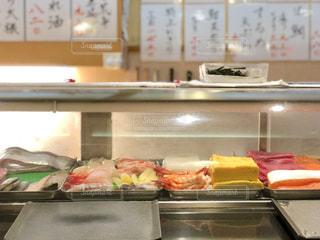 寿司屋のカウンターの写真・画像素材[1790450]