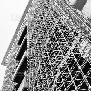 モノクロのビルの写真・画像素材[1168942]