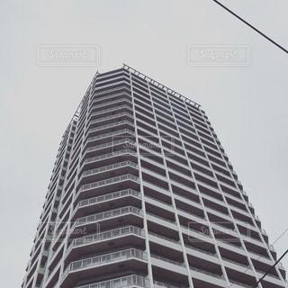くもりとマンションの写真・画像素材[1553751]