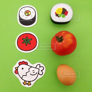 お寿司とトマトと卵の写真・画像素材[1625170]