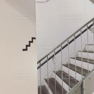 かっこいい階段のデザインの写真・画像素材[2341864]