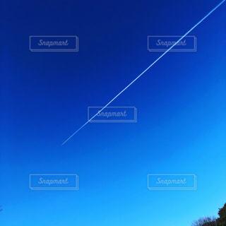 飛行機雲の写真・画像素材[2859448]