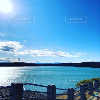 太陽と富士山の写真・画像素材[2913656]