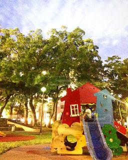 公園で遊ぶ子供の写真・画像素材[720325]