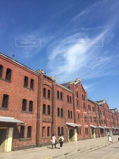 大きなレンガの建物の写真・画像素材[851958]