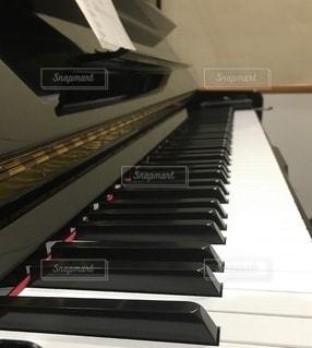 ピアノのキーボードの写真・画像素材[2681753]