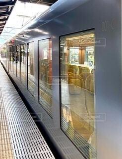 駅で地下鉄の列車の写真・画像素材[3828966]