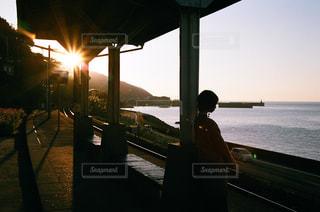 水の体の上の橋の写真・画像素材[979679]