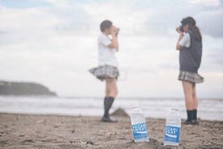 ビーチに立っている人の写真・画像素材[1460287]
